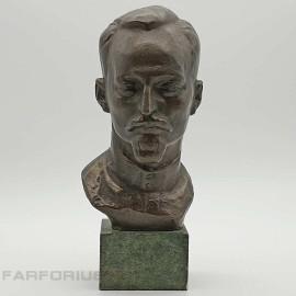 Бюст Дзержинский Ф. Э. на мраморном постаменте