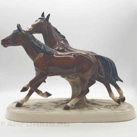 """Статуэтка """"Бегущие кони"""". Hertwig. ПРОДАНО."""