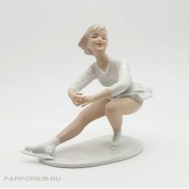 """Фарфоровая статуэтка """"Фигуристка"""" (На коньках) Wallendorf. Германия"""