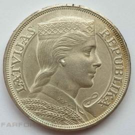 Серебряная монета 5 латов 1931 года. Латвия