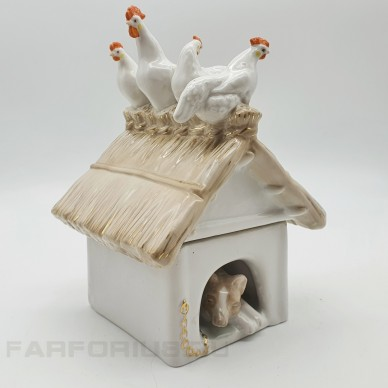 """Фарфоровая статуэтка """"На птичнике"""" (Собачья будка). Дулево 1957 год"""