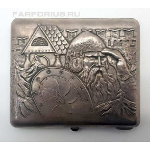 """Серебряный портсигар """"Богатырь в дозоре""""."""